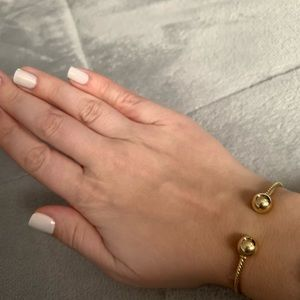David Yurman Jewelry - David Yurman 18K gold dome SOLARI collection cuff